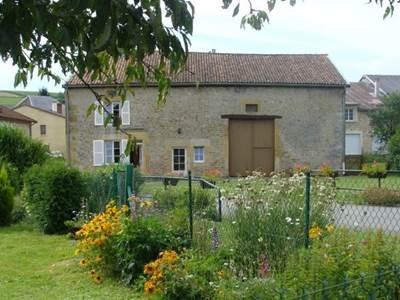 Ferme rénovée à 1h de Charleville-Mézières et Verdun, visites à la ferme