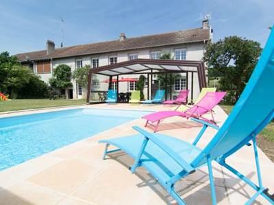 Gite de La Croisette, maison avec piscine privée chauffée, proximité Sedan, Verdun, Belgique