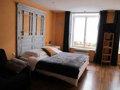 Chambre d'hôtes Orange dans le centre historique de Charleville-Mézières