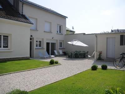 Villa moderne  sur voie verte à Sedan, chambre SDB WC en RDC, calme  espace