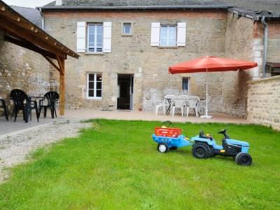 A la Ferme du Lion d'or, maison avec jardin dans les Crêtes Préardennaises, vente produits de la ferme