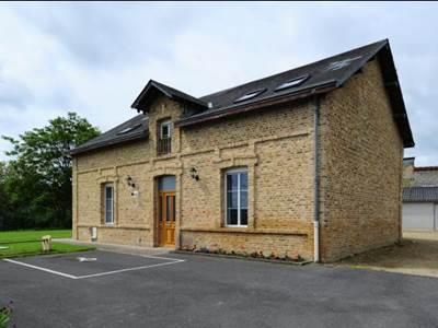 Maison spacieuse pour 2 à 10 pers. à moins d'1h de Reims, Charleville-M. et Sedan