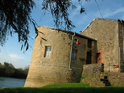 Musée de Warcq et la Tour de l'eau