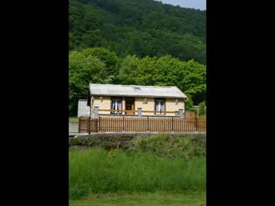 Maison indépendante, terrasse avec vue sur la Meuse, accès voie verte à 2 km