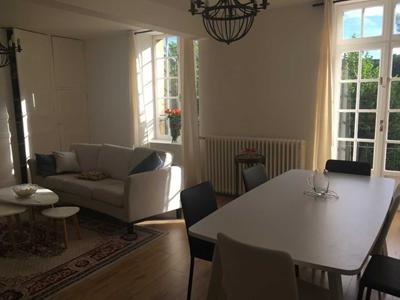 Chambres dans appartement de caractère avec vue Meuse