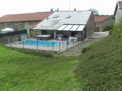 """Gîte """"Le Berceau"""", maison avec piscine, spa, balançoire, trampoline... dans un village de l'Argonne"""