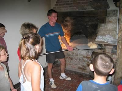 """""""Du blé au pain"""" à la ferme pédagogique de Liart"""