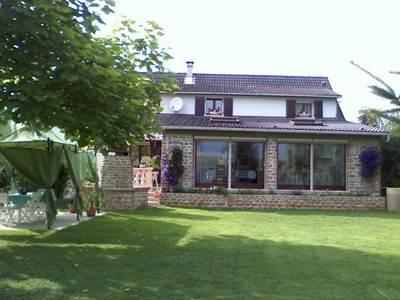 Chambre d'hôtes, grande maison, village calme près de Charleville-M. et Sedan