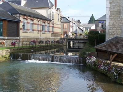 """SIGNY L'ABBAYE, Village Fleuri """"2 Fleurs"""""""