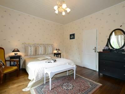 Chambres d'hôtes au bord de la Meuse et de la Voie Verte, WIFI, terrasse