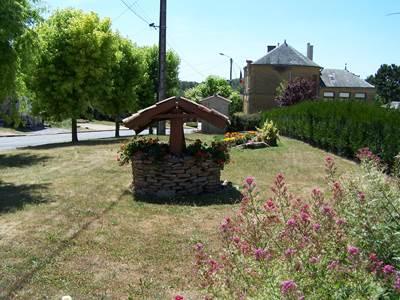 """BAR LES BUZANCY, Village Fleuri """"2 Fleurs"""""""