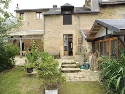 Maison typique ardennaise avec 4 chambres à 10min de Sedan