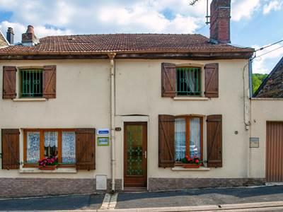 Maison dans vallée de la Meuse, proche lac, voie verte et randonnées