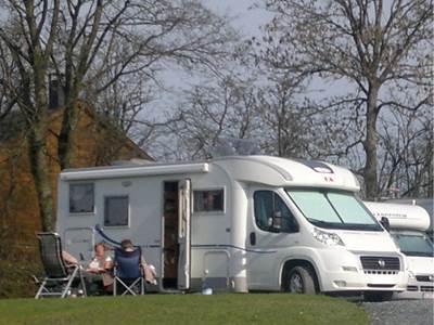 """Camping Car à la Ferme """"Il était 1 foie"""""""