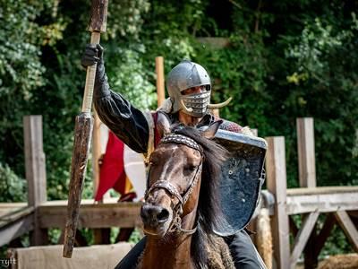 Gp - Fêtes Médiévales à Sedan