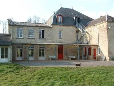 Château de Lametz, appartement de 215m2 proche du lac de Bairon et autres activités de plein air