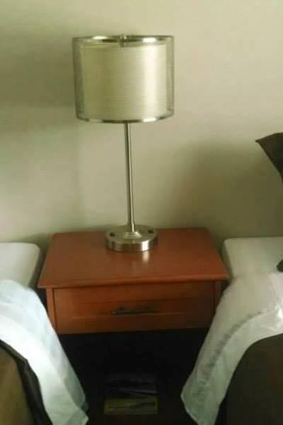 un lit double et un lit simple