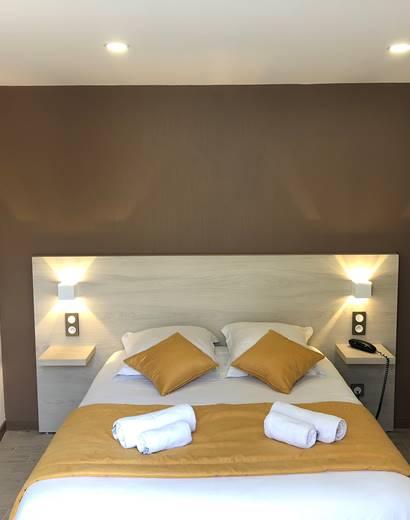 Chambre double patio, climatisée, rénovée, à Boulazac, Périgueux