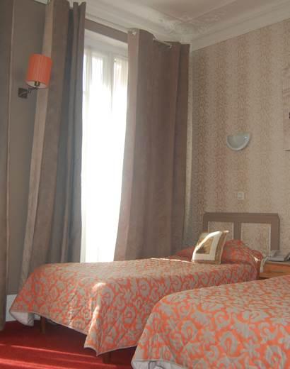 Chambre 2 lits 9 rue Jean Bart 75006 Paris