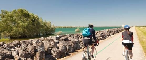 Vélo sur la vélovoie des lacs