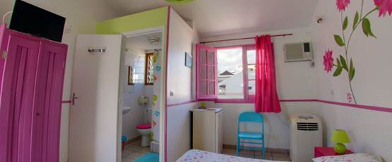 bungalow 116 avec sa salle de douche