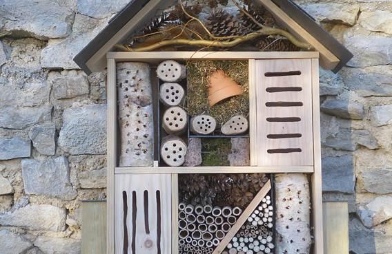 Hôtel à insectes - Recrénature