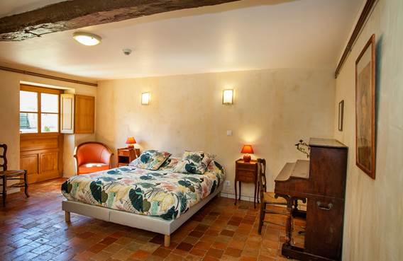 Chambre 1 Tour de Guet au Chateau de Charbogne