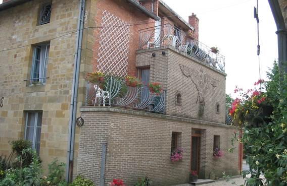 Domaine de Montflix, chambres d'hôtes en Argonne, élevage de chevaux, sentiers de randonnée. Accueil Motards. - Grandpré - Ardennes