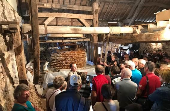 Visite du vieux pressoir de amrgy