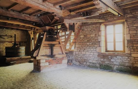 Visite audioguidée du Relais de Poste aux Chevaux de Launois-sur-Vence