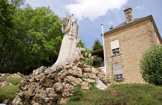 Le chêne brisé