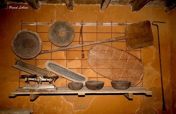 Maison du Laboureur - outils du pain