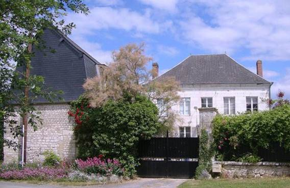 le-presbytere-de-sevigny-main-building