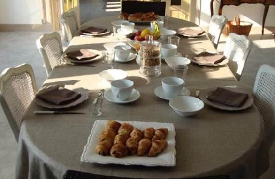 le-presbytere-de-sevigny-breakfast