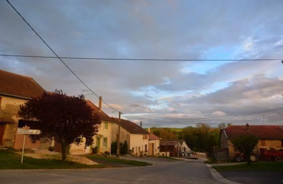 Courte Pause, Gîte de 2 à 6 personnes  au coeur de l'Argonne ardennaise - Imécourt - Ardennes