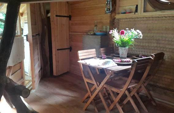 salle a manger de la cabane orée