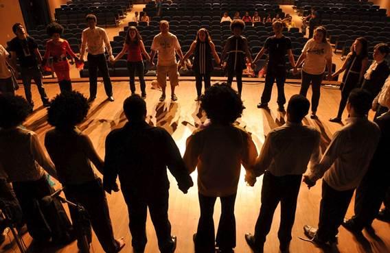 Théâtre par la troupe