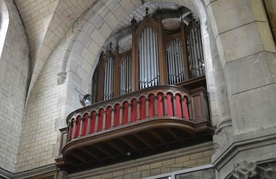 Exposition à l'église de Signy-l'Abbaye