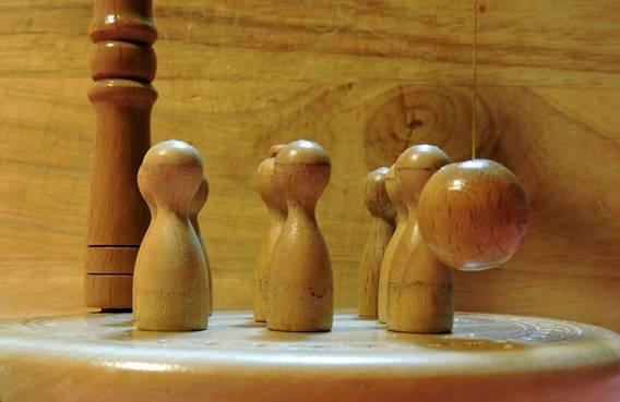 Concours de quilles en bois