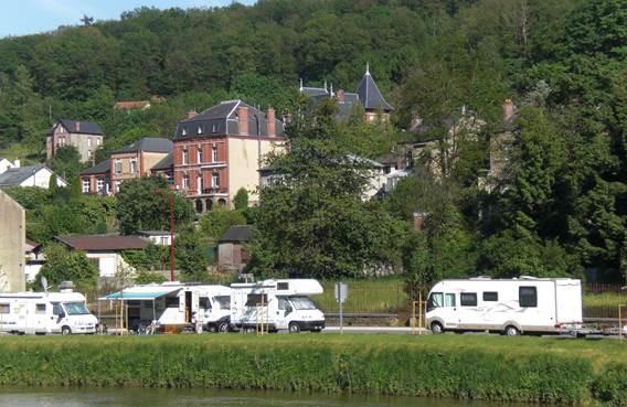 aire camping car à Bogny-sur-Meuse