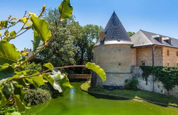 gite du pont Chateau de Charbogne
