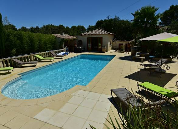 casadina-gite-plage-poolhouse-piscine-sommieres