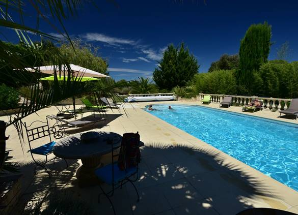 casadina-location-guesthouse-piscine-xsommieres