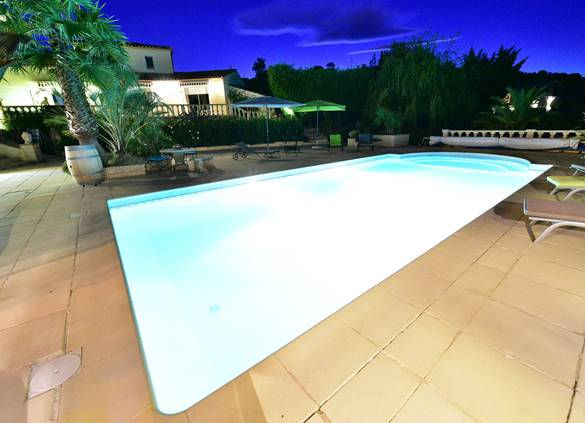 casadina-location-gite-pool-bynight-sommieres