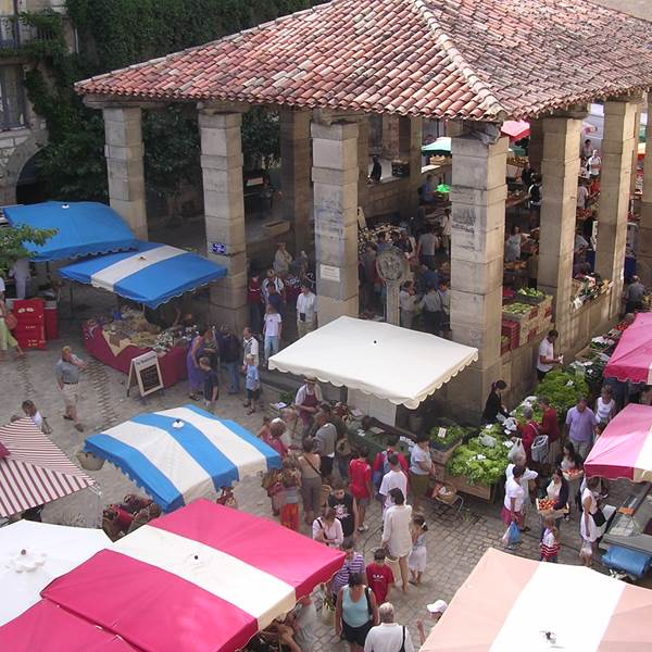 Marché dominical de St Antonin