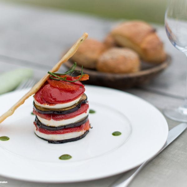 [Recette] Millefeuille de croustillant d'aubergine au Pélardon sur son coulis de tomate au basilic