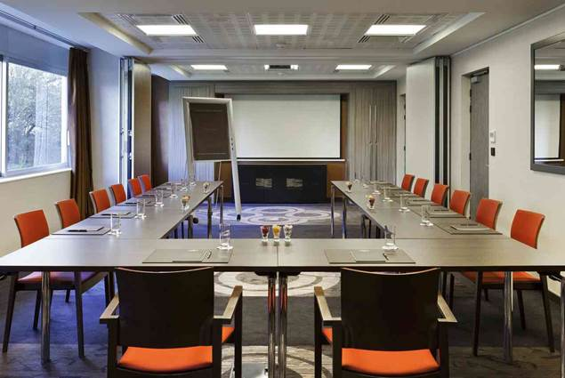 Salons élégants et adaptables à votre réunion d'affaires