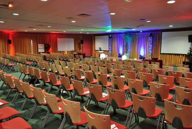 Le salon multimédia, idéal pour votre conférence au Domain du Roi Arthur