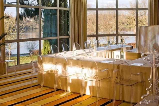 Espace réservé aux séminaires : le salon Brocéliande
