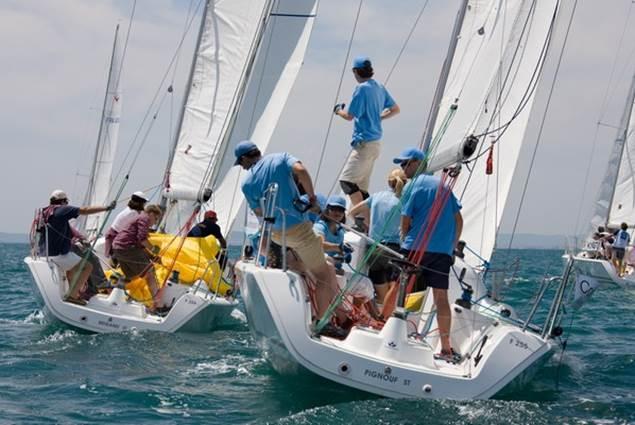 Dynamique d'équipages et cohésion d'équipes en mer...